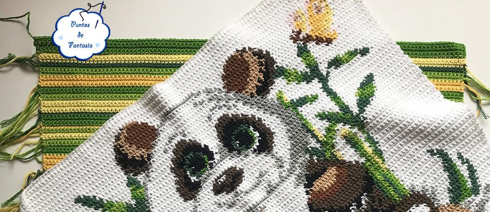 Cojín de Ganchillo Oso Panda