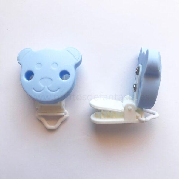 Clips de plástico y oso de silicona