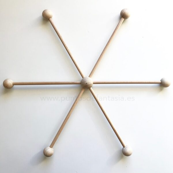 Móvil para colgar de madera de haya