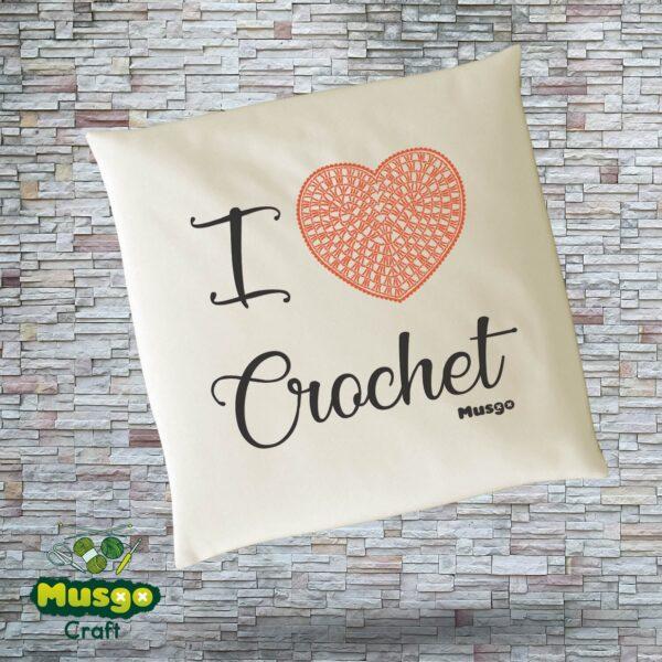 "Cojín ""I love Crochet"""